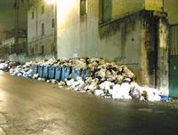 Napoli, dove l'immondizia é oro