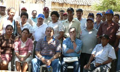 Ex cañeros e vedove di ANAIRC durante la visita della UITA (© Foto G. Trucchi)