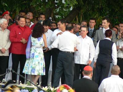 Uribe, Chávez e Correa durante l'insediamento di Ortega a Managua (© Foto G. Trucchi)