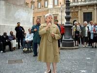 Maria Pia Garavaglia (vicesindaco di Roma), Padre Giorgio e gli immigrati, davanti a Montecitorio