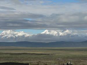 Gli altipiani del Tibet. Lì sotto si nascondono immense ricchezze minerarie.