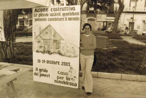 """Manifestazione: """"Azione costruttiva: le piccole azioni possono cambiare il mondo""""."""