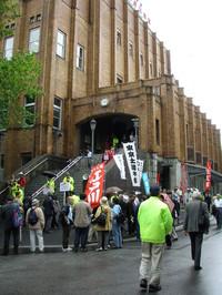 Una delle conferenze per la festa della Costituzione si è svolta al  Hibiya Kòkaidò, uno storico palazzo dei cogressi nel cuore di Tokyo vicino a Ginza