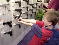 Obiettori a commissione infanzia: occorre tutelare i minori dagli strumenti militari