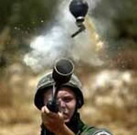 Israele da 7 anni invia militari e mercanti d'armi