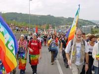 La bandiera arcobaleno non è un simbolo di pace