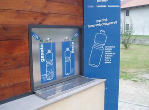 Fontana pubblica a Settimo Rottaro (To) con acqua depurata liscia e gasata
