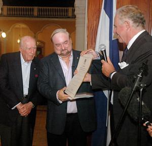 L'ambasciatore italiano Boniver nomina Carlos Pellas console onorario (Foto END)