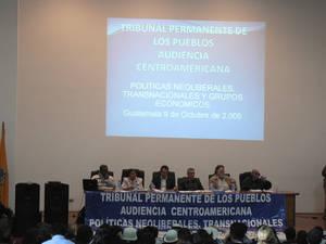 I sei giudici del TPP durante l'udienza in Guatemala (© Foto G. Trucchi)