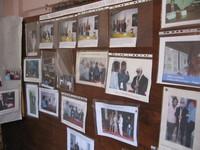 Pannello che designa personaggi ed istituzioni che hanno ospitato in convegni e manifestazioni Paolo Sabbetta