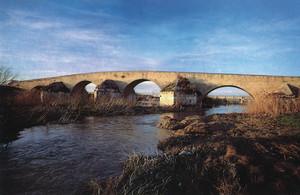 Ponte romano sul fiume Ofanto, presso Canosa di Puglia