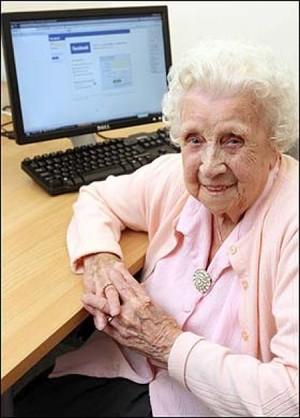 Ivy Bean, a 102 anni su Facebook per combattere la solitudine.