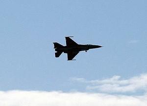 Aereo Israeliano bombarda Gaza.