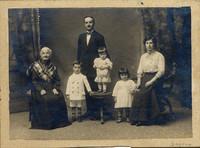 Savona 1916. Tre generazioni dei Sabbetta (1° adolescenza fascista)