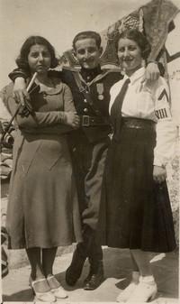 Paolo Sabbetta  con le sorelle Lia e Rosetta in divisa fascista (1° adolescenza fascista)