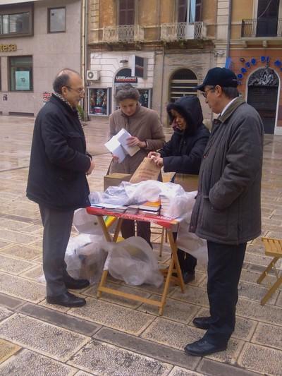 Incontro con il sindaco di Taranto (a sinistra) e il vicesindaco (a destra)