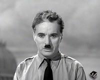"""Chaplin nel film """"Il grande dittatore"""""""
