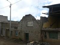 Le case (o quello che resta) al limite della miniera