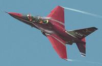 Costi e bluff dell'aereo italiano che addestra alla guerra