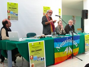 10 marzo 2009 - Conferenza di Alex Zanotelli a San Ferdinando di Puglia. Galleria fotografica della manifestazioni Casa per la nonviolenza, associazione di ispirazione gandhiana.