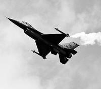 Oltre 14 miliardi di euro per il caccia F-35, mentre mancano i soldi per i terremotati