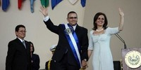 Storico: Mauricio Funes assume  la presidenza