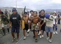 Perù, gravi scontri tra indigeni e polizia. I nativi difendono i diritti sull'Amazzonia