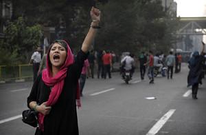 Proteste in Iran per chiedere democrazia e libertà