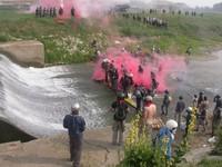 Un'immagine degli scontri di sabato 4 luglio