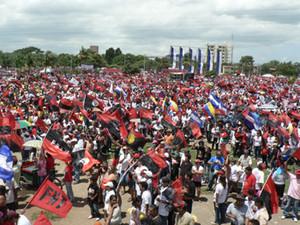 Decine di migliaia di nicaraguensi hanno nuovamente riempito Plaza La Fe © (Foto G. Trucchi)