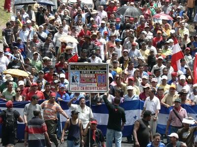 Multitudinaria marcia della Resistenza © (Foto G. Trucchi)