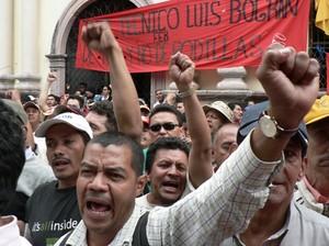 Manifestazione della Resistenza davanti al Congresso © (Foto G. Trucchi)