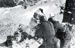 Mitraglieri austriaci sulle dolomiti