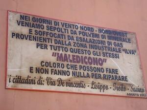 Le maledizioni dei cittadini del quartiere Tamburi a Taranto