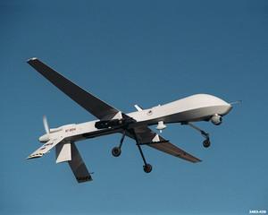 """Un UAV (Unmanned Aerial Vehicle), tradotto letteralmente dalla lingua inglese veicolo """"aereo senza pilota"""". Sugli UAV puntano molto i programmi militari futuri americani"""