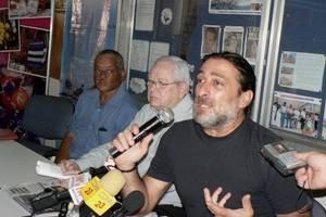 Francesco Pucci di Magnolia SpA durante la convulsa conferenza stampa © (Foto G. Trucchi)