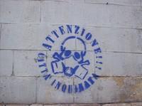 """Nella città più inquinata di Italia denunciati per aver scritto """"ATTENZIONE CITTA' INQUINATA"""""""