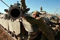 """""""L'Italia smetta di vender armi a Israele"""""""