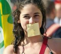 """Manifestazione di piazza il 1° luglio 2010 contro la """"legge bavaglio"""" a Roma"""