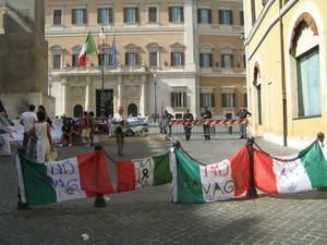 Montecitorio 29 luglio 2010. Presidio contro la legge bavaglio sulle intercettazioni