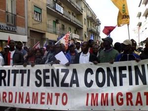 Immigrati indifesa dei loro diritti