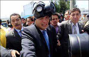 Rafael Correa durante l'attacco della Polizia (Foto AP)