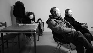 """Immagini dal film documentario """"La svolta. Donne contro l'Ilva"""" di Valentina D'Amico, presentato al festival del Cinema di Venezia 2010."""