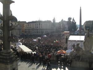 12 marzo 2011 a difesa della Costituzione. Piazza del Popolo raggiunta da viale Trinità dei Monti