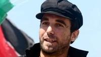 Un'immagine di Vittorio Arrigoni, molto amato dai pacifisti per la sua attività nell'International Solidarity Moviment e le cronache da Gaza