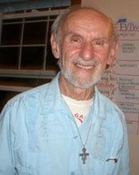 PeaceLink scrive a Fr. Louie Vitale