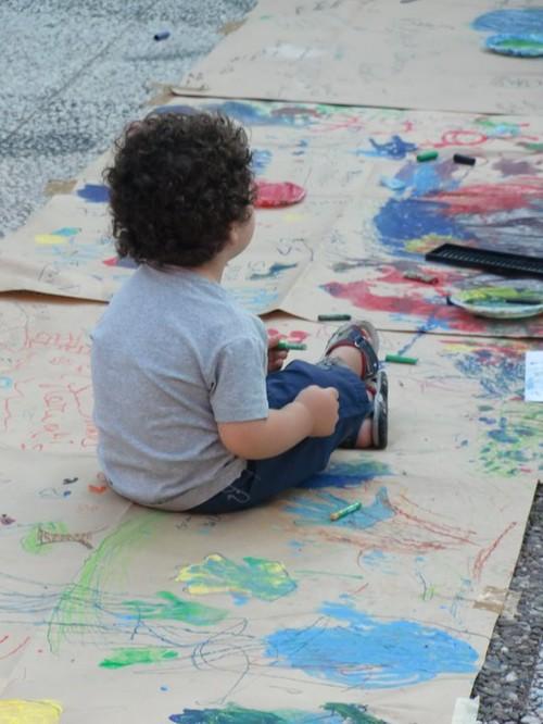 I bambini al lavoro nelle 4 settimane del progetto realizzato nel quartiere Tamburi di Taranto