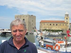 Angelo Vassalo ad Acciaroli di Pollica, il paese di cui era Sindaco quando fu ucciso la sera del 5 settembre 2010