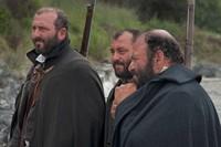 """Una scena del film """"Noi credevamo"""", di Mario Martone: i tre fratelli Capozzoli, briganti coinvolti nei moti cilentani anti-borbonici del 1828"""