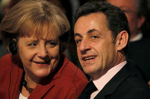 45th Munich Security Conference 2009: Dr. Angela Merkel (le), Federal Chancellor, Germany, in Conversation with Nicolas Sarkozy (ri), President, French Republic.